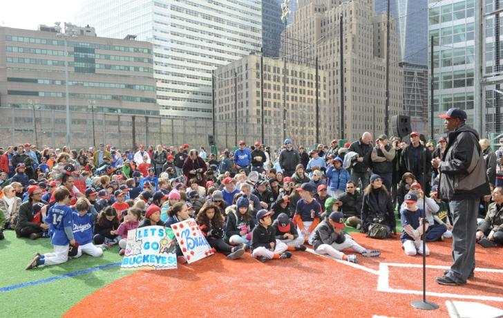 Baseball legend Dwight Gooden tells the kids to always try their best. Carl Glassman/Tribeca Trib